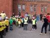 """Lopšelio-darželio """"Nykštukas"""" priešmokyklinukai dalyvavo masiniame bėgime-ėjime, kuris buvo skirtas kūno kultūros ir sporto dienai paminėti"""